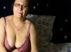 Beautiful granny showed off her super hot body on webcam