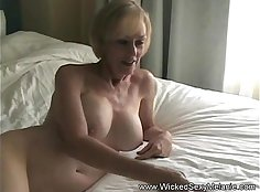Cum addicted Grandma gets her wet pussy polished