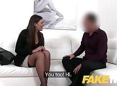 Casting of a flexible brunette pornstar