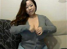 Behind The Scenes...Busty cam girl get wanking
