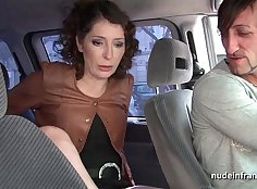 Curvy ass milf filling up for taxi master