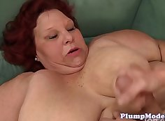 Redhead Calzada squirting on the sofa