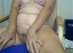 Amateur girl fingering and sucking on webcam