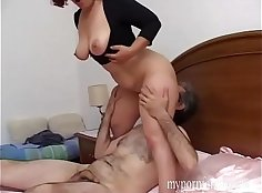 Crazy Italian Girl Creampied By Husband!
