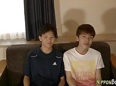 Asian amateur guy fucks his masseur