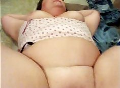 Baby daddy playing with a big ass mom